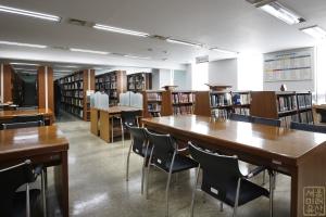 4.19혁명기념도서관 내부 도서관 전경