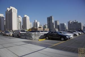 구로기계공구상가 옥상주차장 풍경