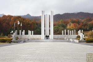국립 4.19민주묘지 기념물1