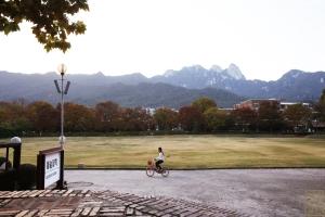 덕성여자대학교 예술관 앞 잔디밭
