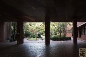 덕성여자대학교 자연관 기둥1