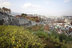 장수마을 성벽1