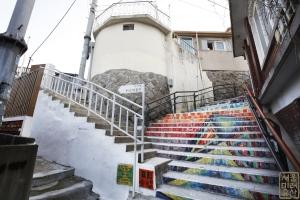 장수마을 계단4