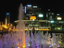 서울광장 분수 오후