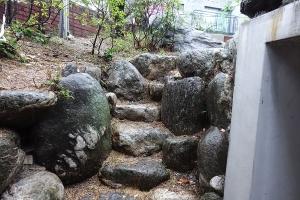 장위동-230-49-주택_정원입구계단