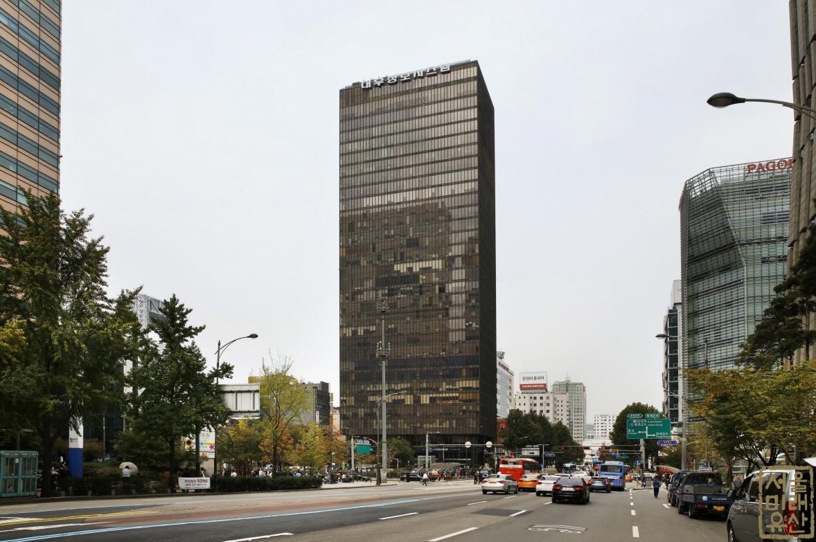 KDB산업은행(구 삼일로빌딩) 외부 전경1