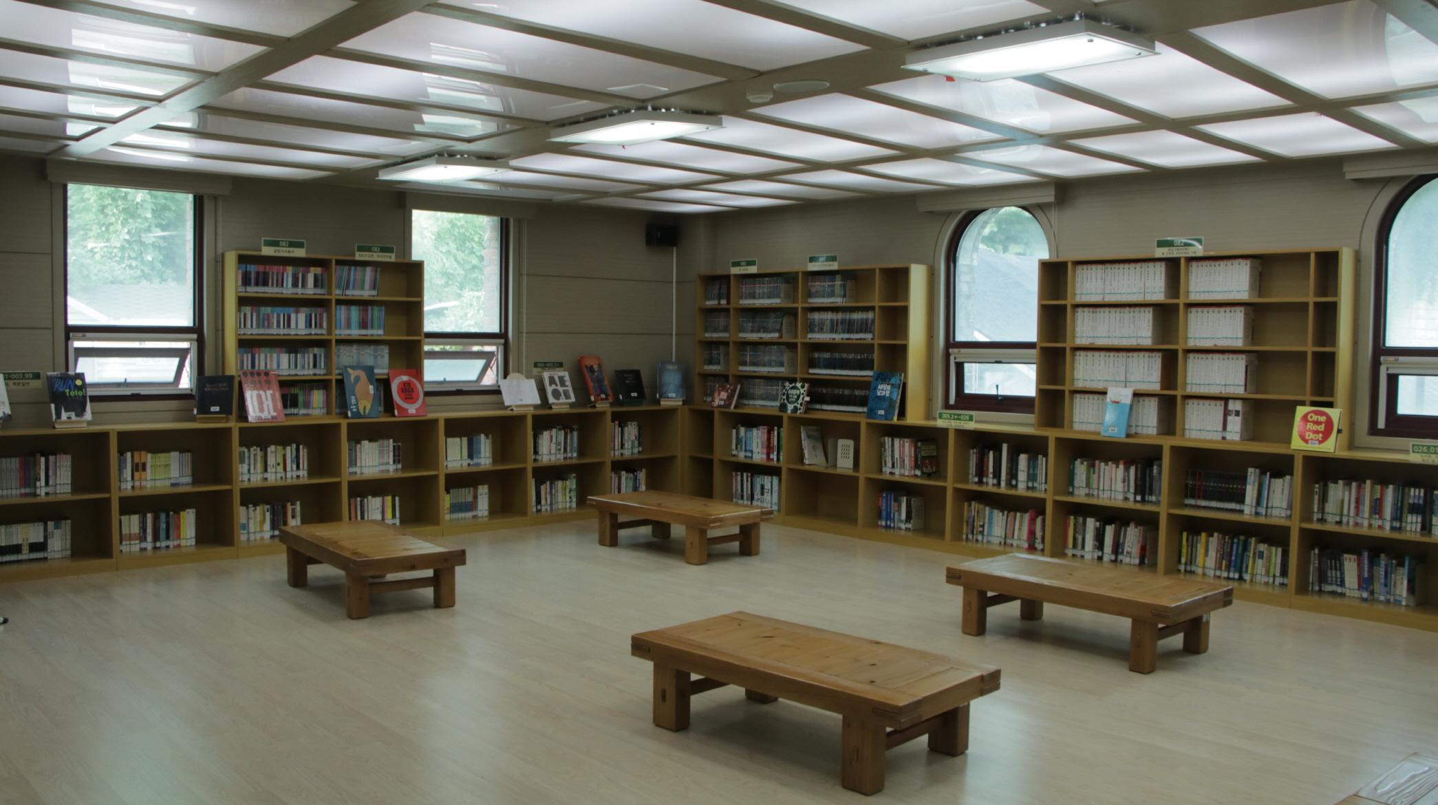 숙명여자고등학교 도서관(내부1)